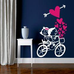 Samolepka láska na kole